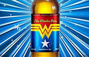 Súper diseño: Artista gráfico crea envases de cerveza sobre la Liga de la Justicia | Cómics