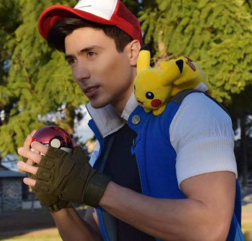 7 PICTURES OF A REAL LIFE ASH KETCHUM