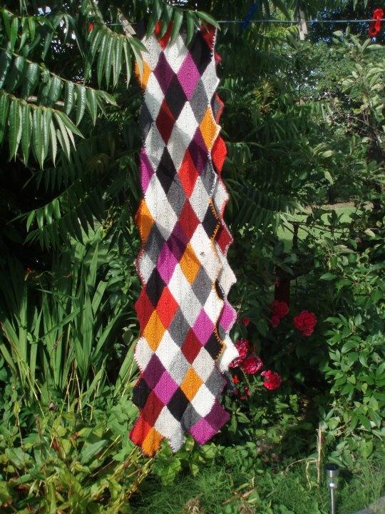 Domino strikket tørklæde i uld