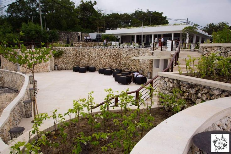 So much spare for all events at Puri Temple Hill, with a stunning Bali clifftop view for weddings, and corporate events.