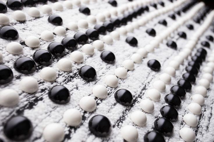 Borchie in abs black & white  con chiodino verniciate