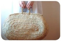 wonder if I could crochet something like this from raffia....?