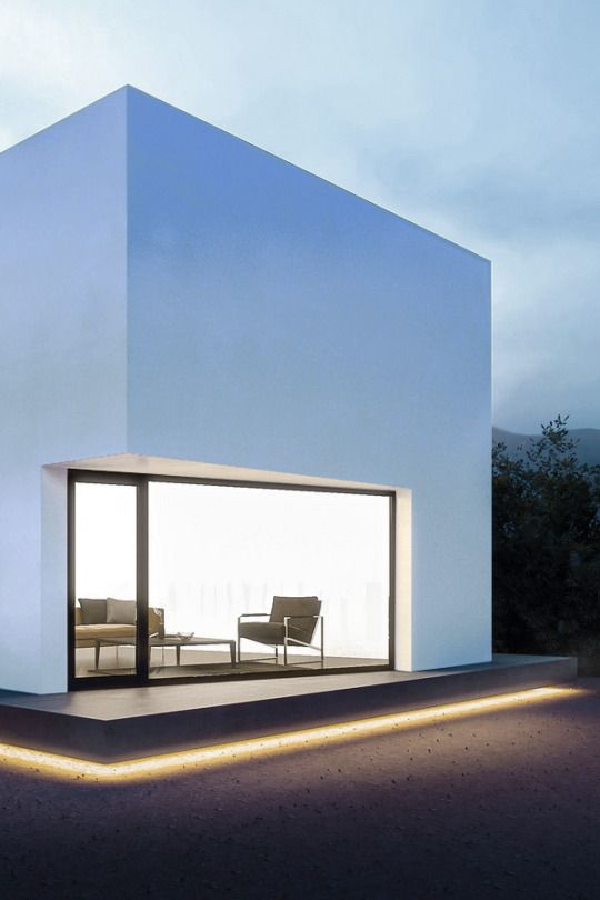 Simple volume with generous window. Designer unknown.