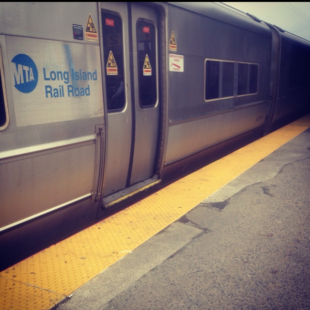 Long Island & the L. I. R. R. Took you directly into Penn Station, Manhattan. From their NYC was your oyster......