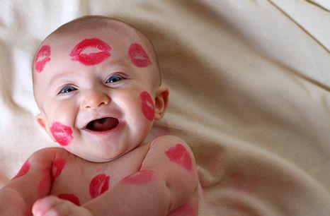 3 Jenis Kiss Dalam Bahasa Inggris Beserta Contoh Kalimat - http://www.sekolahbahasainggris.com/3-jenis-kiss-dalam-bahasa-inggris-beserta-contoh-kalimat/