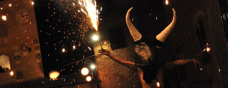 Mercantia is coming! July 15th - 19th, 2015! THE international street art festival only in Certaldo, Tuscany! Hills, dreamlike sunsets, good food and MERCANTIA| #mercantia #certaldo #streetfestival #goodlife #magic #tuscany www.hotelcertaldo.it