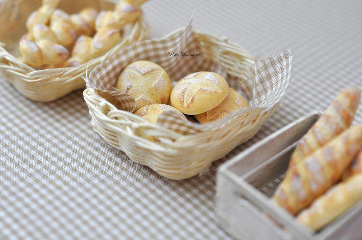 Miniature Pane Casa Delle Bambole-Panifico made in Italy Miniature Doll House Bread Bakery-made in Italy #miniatures #dollhouse #miniaturefood #polymer #clay #fimo #food #bakery #bread
