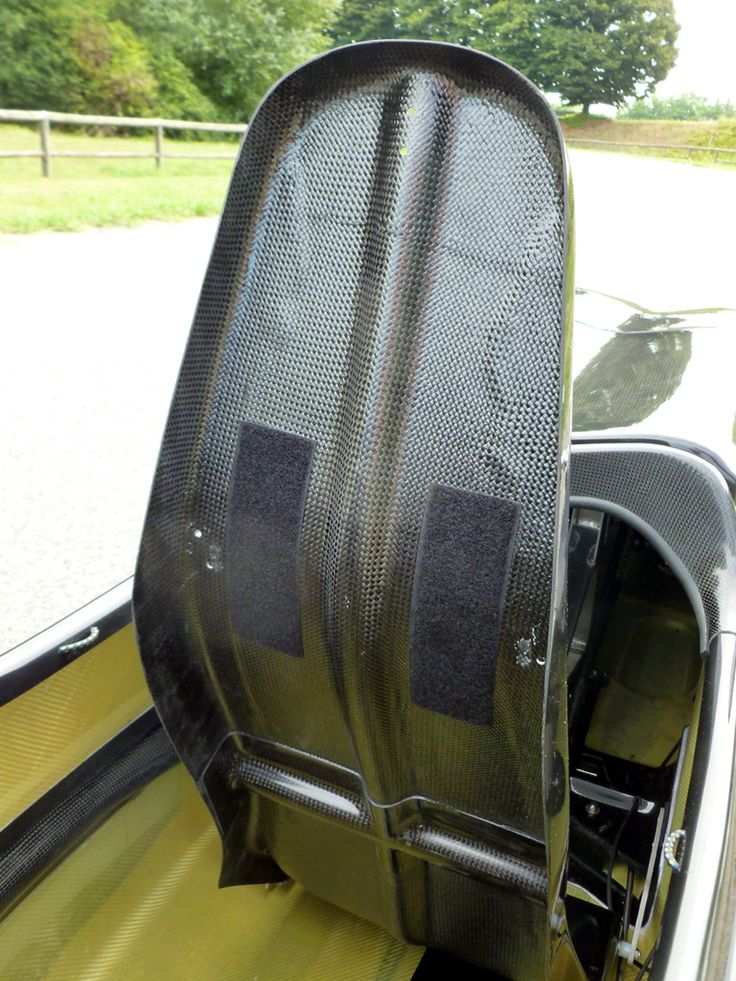 carbon fiber ergonomic tilting seat on WAW 291 velomobile