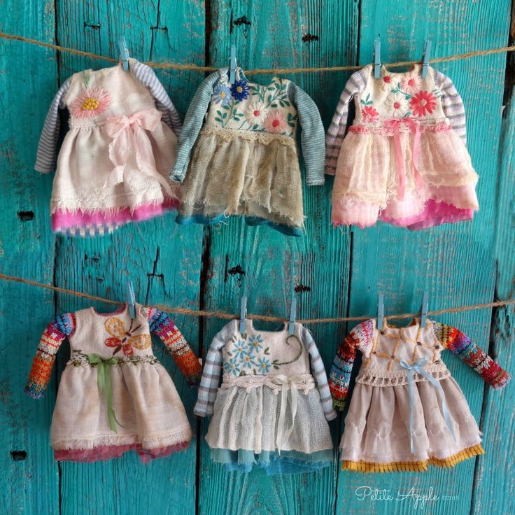 Blythe outfits by Petite Apple petiteappleshop.etsy.com flickr.com/photos/marilenz