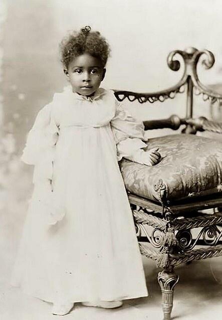 Vintage child photo....so beautiful!