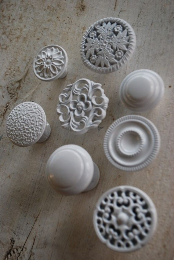Love The Idea Of Mixing Different Knobs On Cabinets Either Keep All The Same Color Or Just Go Crazy Using Your Kitchen Colors In Your Knob Choice By