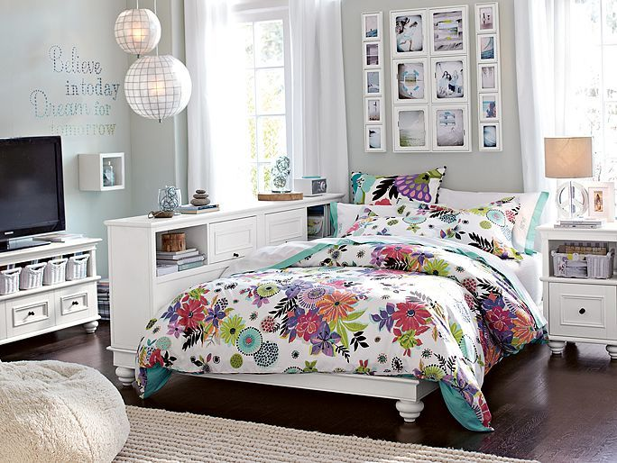 Pb Teen Girl Bedding: PBteen Chelsea Tropical Garden Bedroom On Pbteen.com