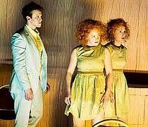 """Deutsche Erstaufführung: """"die hockenden"""" von Miroslava Svolikova im Schauspiel Leipzig"""