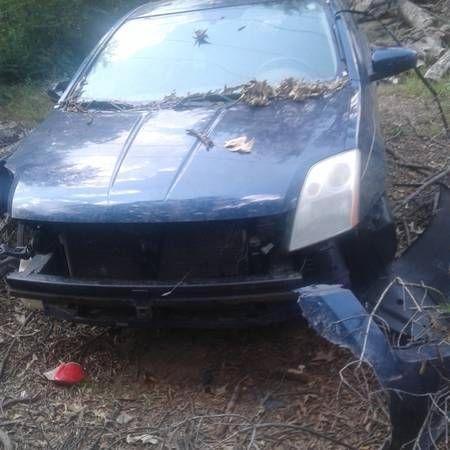 2009 Nissan Sentra parts car-salvage (Memphis) $1