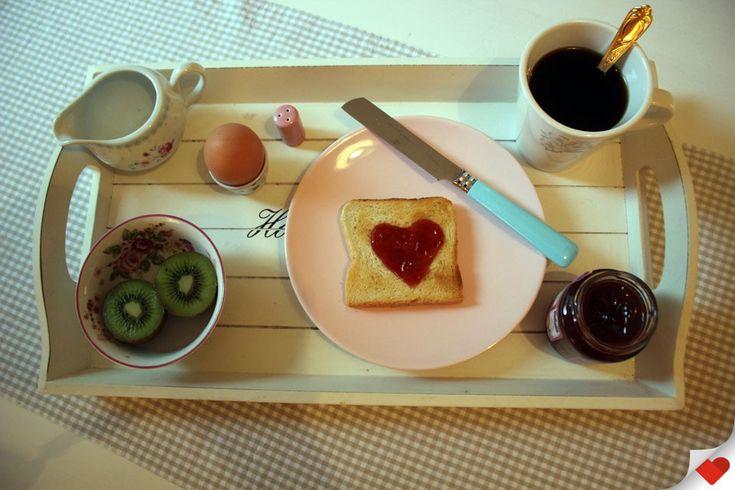 Ihr wollt in Bremen frühstücken oder brunchen? LOVEBREMEN-Bloggerin Insa stellt ihr sieben Lieblings-Cafés vor - für jedes Budget ist was dabei.