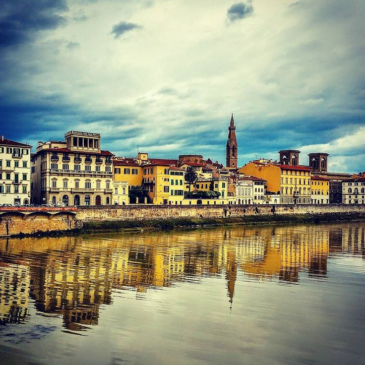Some weather is coming up #firenze #florenz #florence #italia #igeritalia #toscana #tuscany #pont #bridge #traveling #exploring #conquertheworld