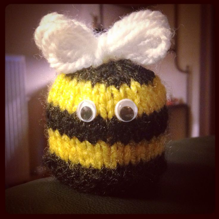 Buzz buzz.. Cutest innocent smoothie big knit hat so far!! Honey Bee