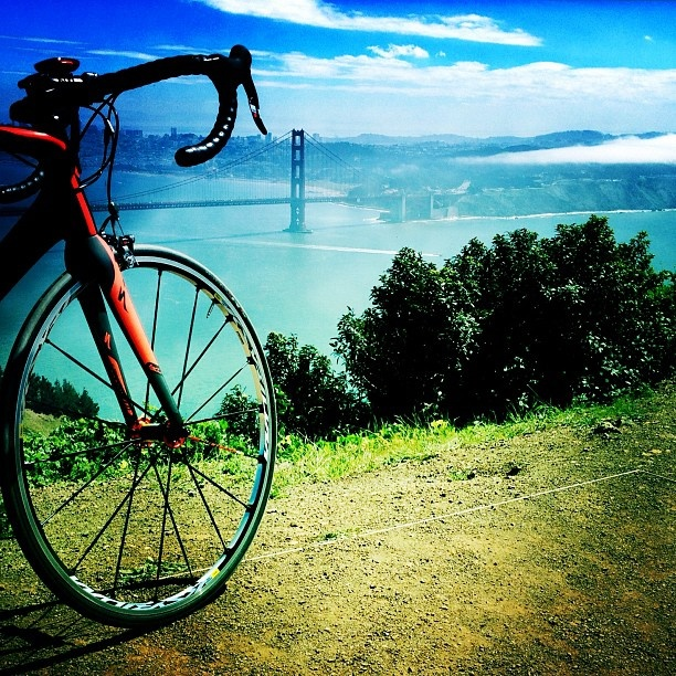 I dream of taking a bike ride along Golden Gate Bridge and up the hill in Marin County to this amazing view point.