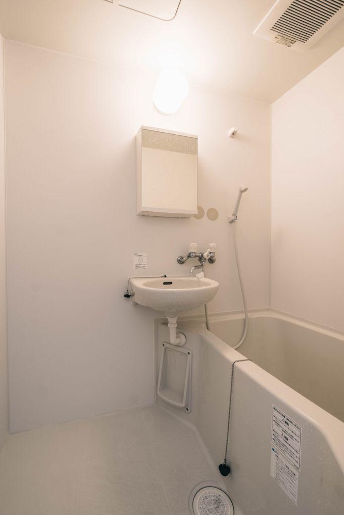 お風呂や洗面室などの水回りに超撥水のコーティング剤をすると気持ちいい シンク ユニットバス 家事