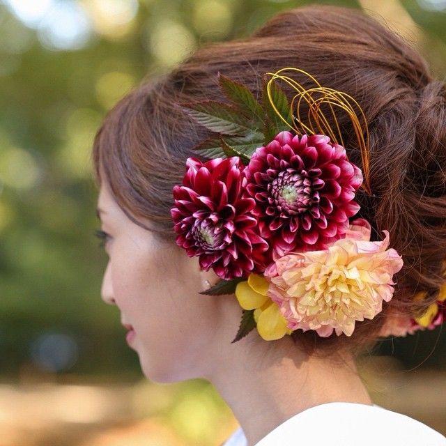 いいね!69件、コメント1件 ― Flower Design SIRKさん(@flower_design_sirk)のInstagramアカウント: 「安田美沙子様の前撮りの様子です*  ダリア、木苺の葉っぱ、水引などを お使いしております  flower;@flower_design_sirk hair;@kws_hairmake…」