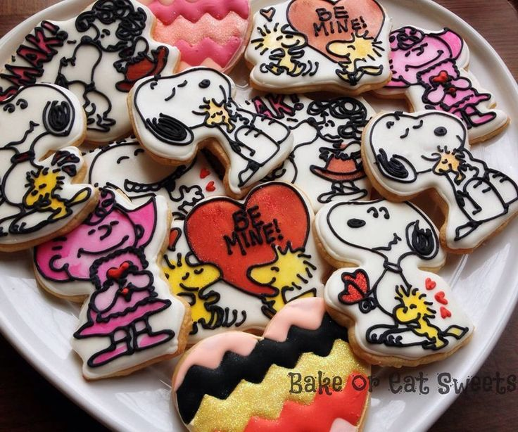 Snoopy Valentines Day Cookies by BakeorEatSweets on Etsy https://www.etsy.com/listing/216979661/snoopy-valentines-day-cookies