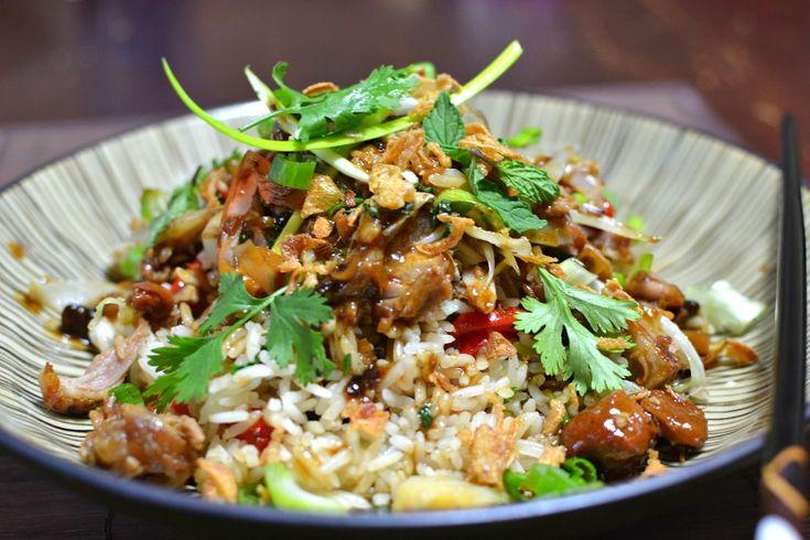 Porc confit vietnamien à la citronnelle et riz sauté : une recette d'inspiration vietnamienne, ultra gourmande et plutôt simple à préparer. Vous allez vous