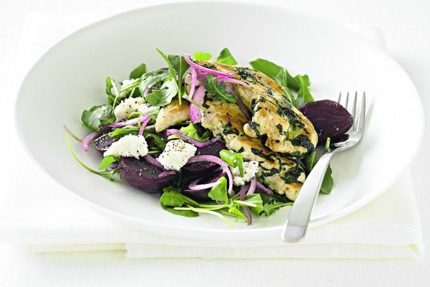 Chicken salad with baby beetroot and ricotta is easy, fast and low-fat. Perfect!