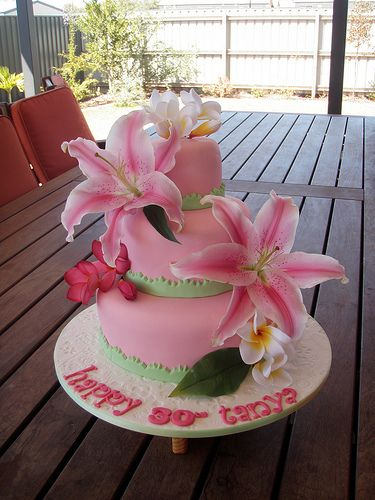 Mossy's Masterpiece - Tanya's 30th birthday Hawaiian luau cake