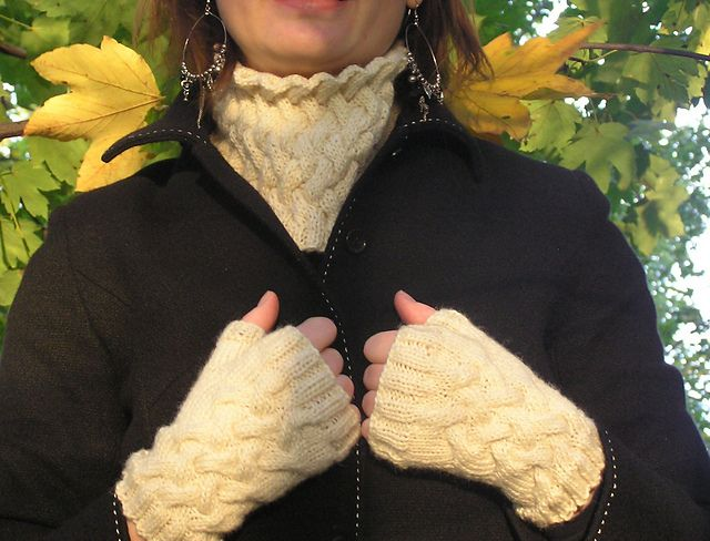 "Ravelry: Autumn Lagging pattern by Wioletta ""Wiolett"""