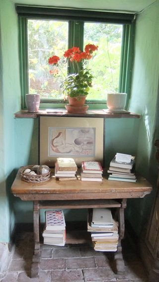 """""""I feel so intensely the delights of shutting oneself up in a little world of one's own, with pictures and music and everything beautiful."""" ― Virginia Woolf, The Voyage Out  {Virginia Woolf's book corner, Dove Grey blog}"""