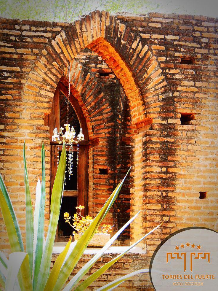 Capilla de Jesuitas, ahora Bonifacio´s Restaurant Interior Hotel Torres.