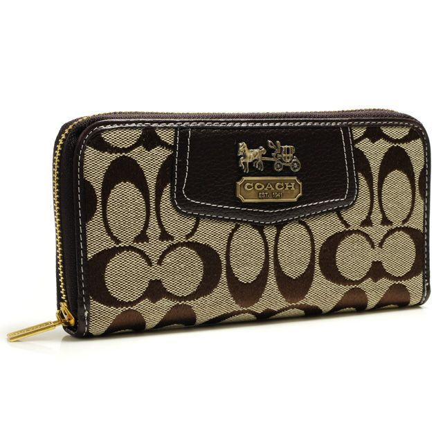 #CoachOnlines There's still a plethora of bags and accessories to make any girl or guy happy. I love this site.