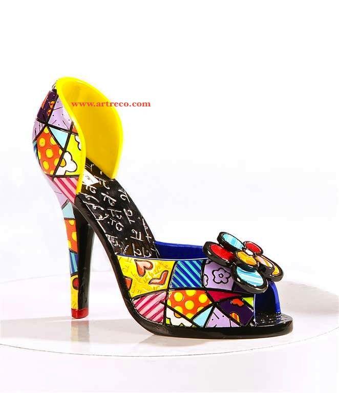 Romero Britto sculptural shoe    Sensitiva Brasil tem os exemplares Britto Collection a pronta entrega no Brasil acesse agora na Like Store no Facebook  http://www.facebook.com/SensitivaBrasil?sk=app_206803572685797