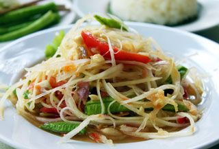 Spicy Thai Papaya Salad Recipe (Som Tam Thai) | Temple of Thai