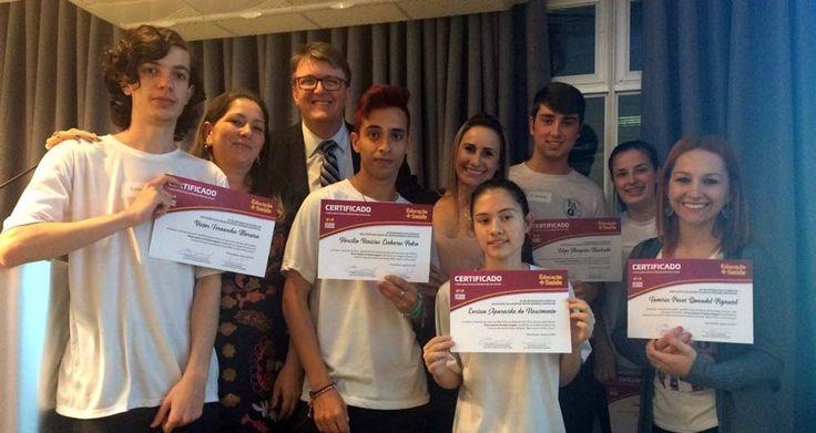Escola Maria da Glória Silva recebe certificado contra o Aedes aegypti