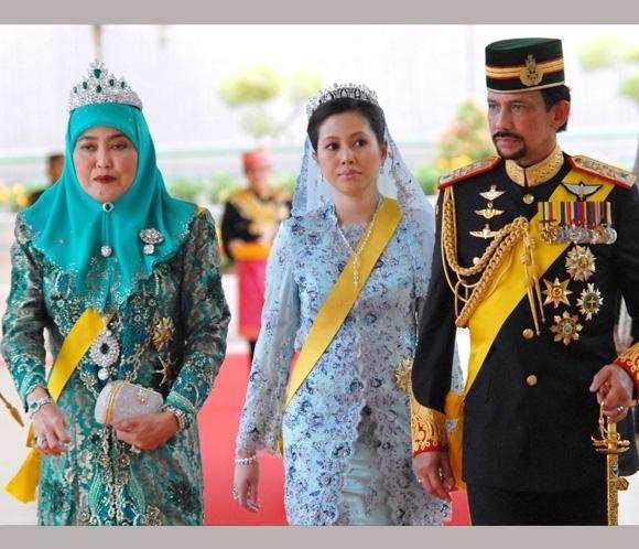 146 best images about Brunei on Pinterest   Dutch queen ...