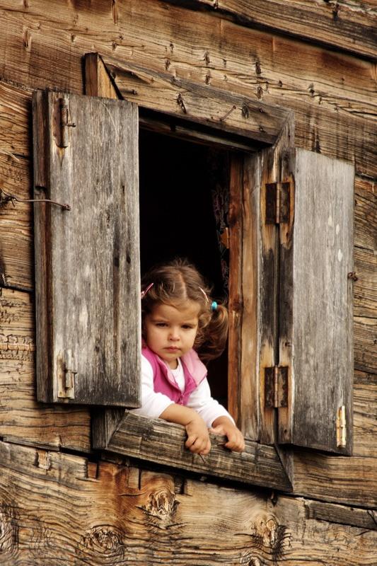 By the window... a little girl...   (by Ibrahim Kerem Ozturk, Turkey)