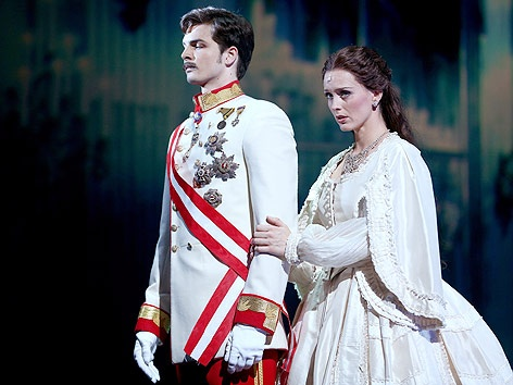 Annemieke van Dam and FRanziskus Hartenstein as Kaiserin Elisabeth and Kaiser Franz Josef in the 2012 Vienna production of Elisabeth das Musical.