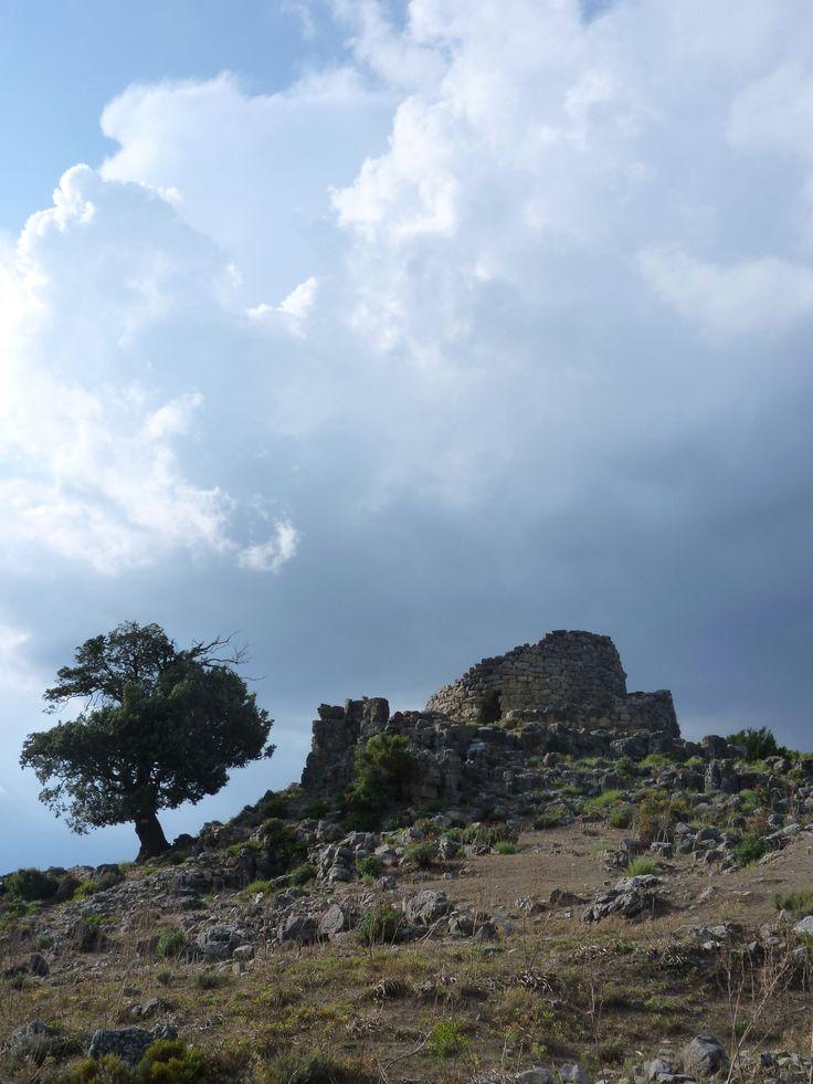 Nurago in Barbagia - Sardegna / Italia