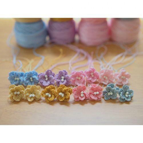 少し増えた。 #一眼カメラ #小さい花モチーフ #flower #flowermotif #motif #craft #crochet #crochetmotif #art #handmade #knitting #かぎ編み #編み #編み物 #ハンドメイド #花 #モチーフ #himehimaoriginaldesing #himehima