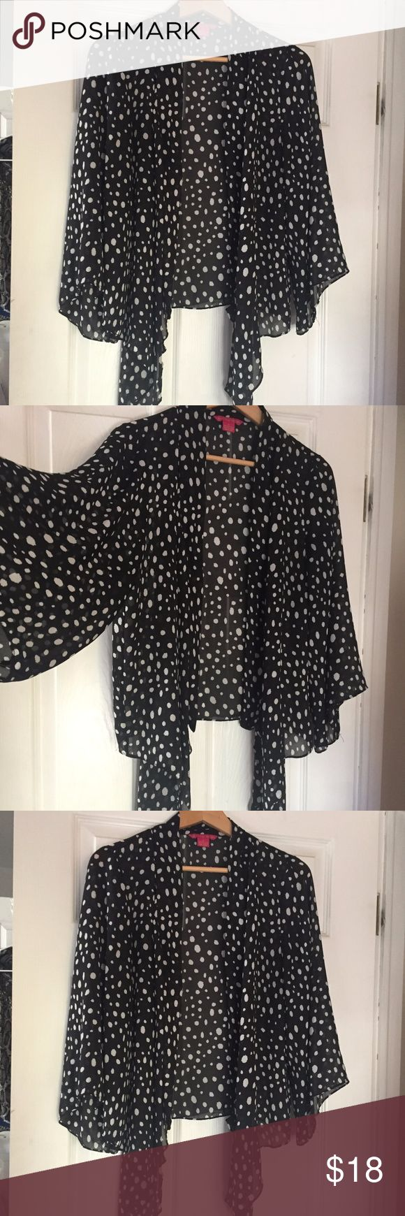 Black & White Flyaway Cardigan Blouse, High Low Sunny Leigh Size Medium 100% Polyester Batwing Sleeves High Low Hem Open, whimsical fly away cardigan.  Black & White Polka Dot Sunny Leigh Tops