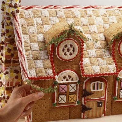 gingerbread houses with thatched frosted mini wheats roof.  Always use those, but love the checkered look! #Christmas
