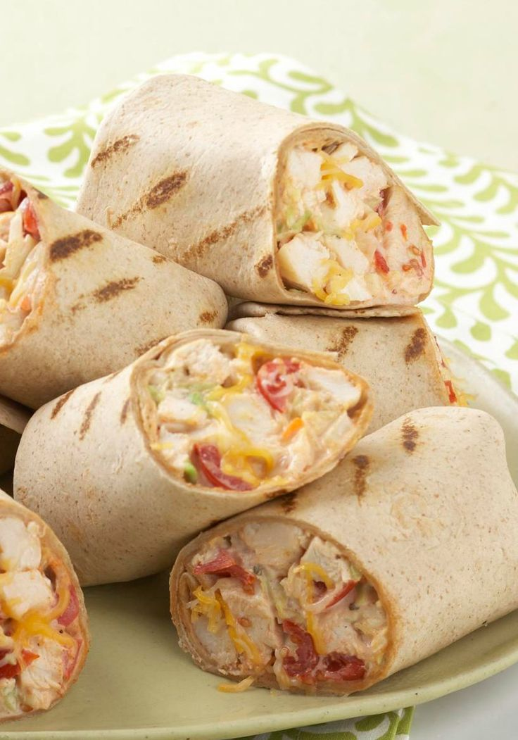 Mexican Grilled Chicken Wraps – Ready in 30 minutes flat, these super-easy grilled chicken wraps with coleslaw, KRAFT Mexican Style Shredded Cheese and tomatoes deliver delicious flavor without a lot of prep time. Bonus: They're completely customizable. Whether you like it mild or like it spicy, you can substitute the ingredients to make it tailored to the tastes of your tailgating crew. You'll want to save this Pin for your game day get-togethers this year!