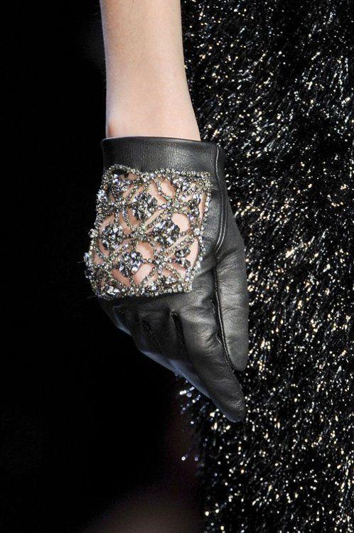 ZsaZsa Bellagio: diamonds  gloves