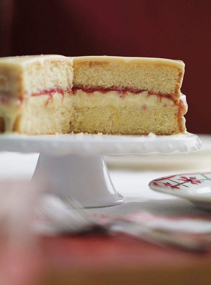 Recette de Ricardo: Gâteau Boston au chocolat blanc et à la rhubarbe