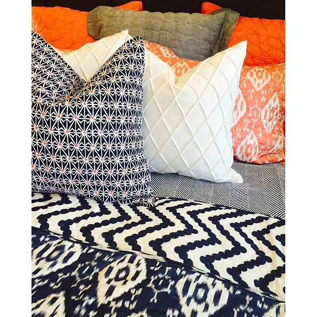 Pop Art Bedroom Accessories Color Schemes For Girls Bedroom Grey Bedroom Door Bedroom Nightstand Decorating Ideas: Best 25+ Navy Orange Bedroom Ideas On Pinterest