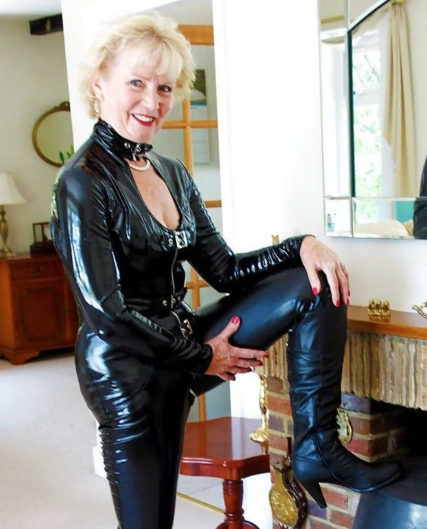 Beautiful pictures mature granny in fetish whore...!!!