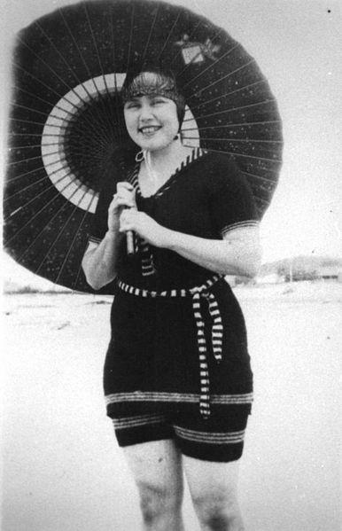 1925 swimming costume, Australia / parasol /