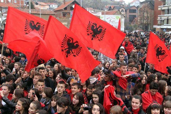 Шиптари из Прешева и Бујановца траже да контролишу границу - http://www.vaseljenska.com/vesti-dana/siptari-iz-preseva-i-bujanovca-traze-da-kontrolisu-granicu/