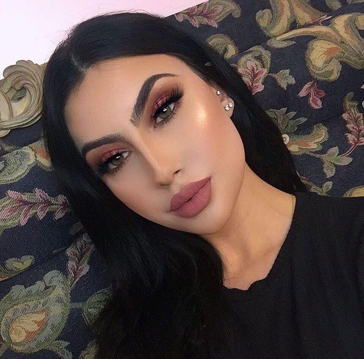 Sooni makeup